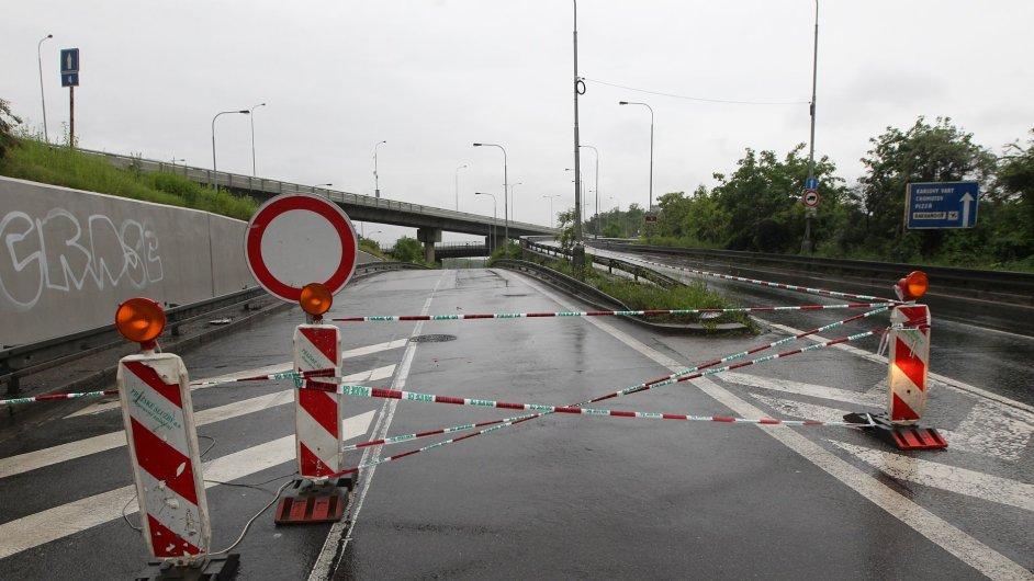 Jindy klíčová spojnice mezi Prahou a jihem Čech je v pondělí prázdná.