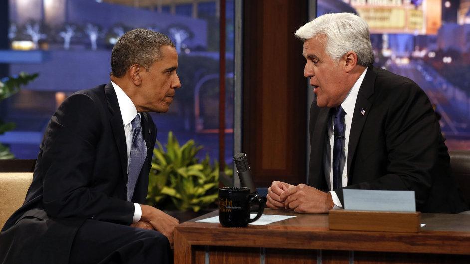 Americký prezident Barack Obama jako host talk show Jaye Lena  (vpravo)