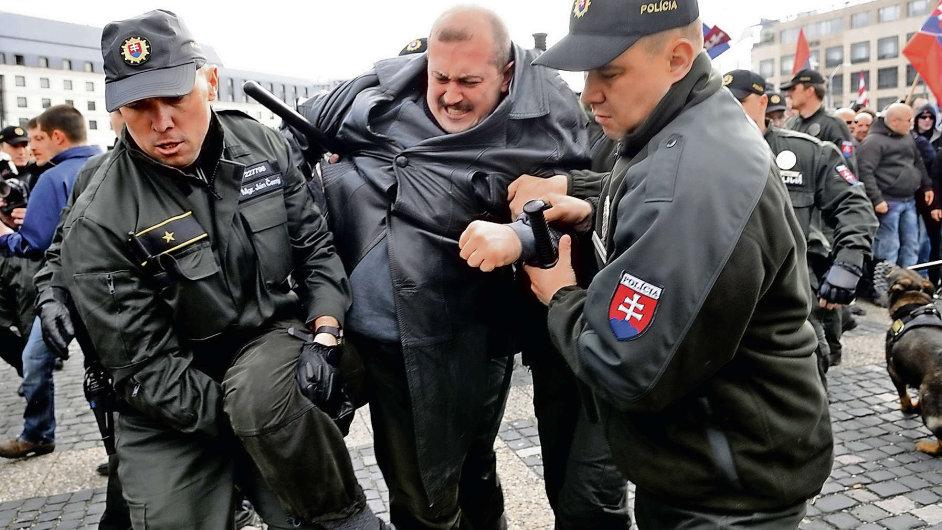 Zadržen policií