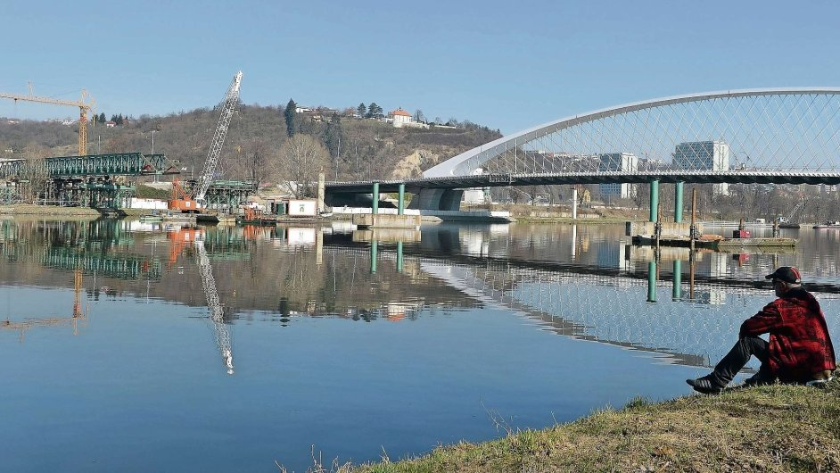 Problémový Trojský most