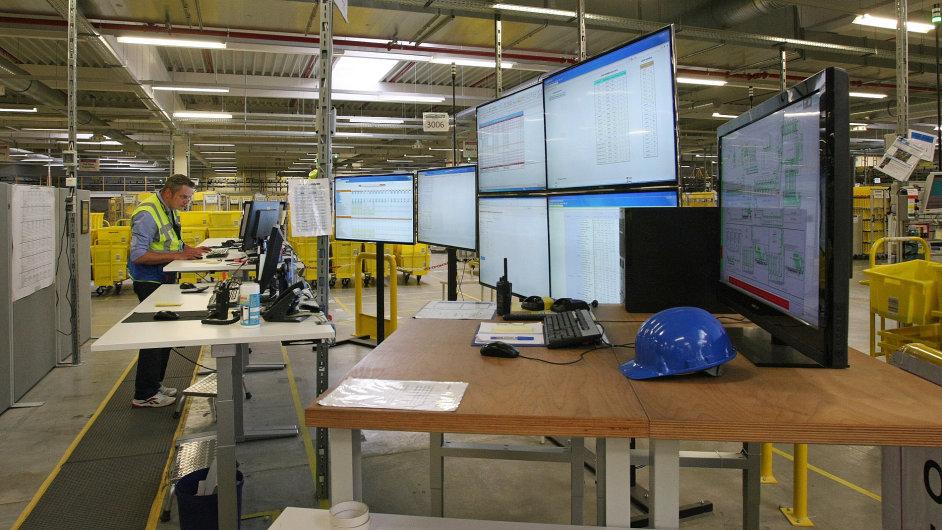 Interiér logistického centra v německém Grabenu. Podobné může stát i v Brně.