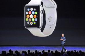 On-line: Apple představil iPhone 6, iPhone 6 Plus, chytré hodinky Apple Watch a službu Pay