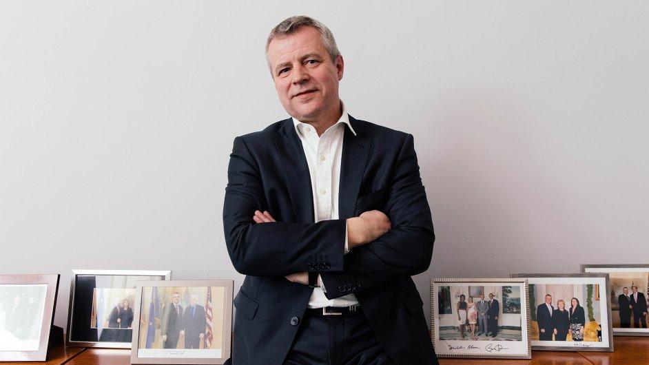 Petr Kolář založil iniciativu, která chce ve společnosti posílit důvěru v systém liberální demokracie a euroatlantickou orientaci Česka.