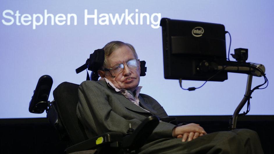 Profesor Stephen Hawking na tiskové konferenci v prosinci v Londýně