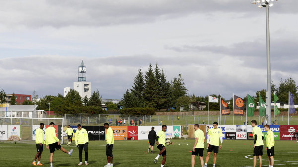 Islandská fotbalová reprezentace bude hrát svůj první zápas na mistrovství Evropy 11. června příštího roku. A některé svatby se musí odkládat - ilustrační foto.