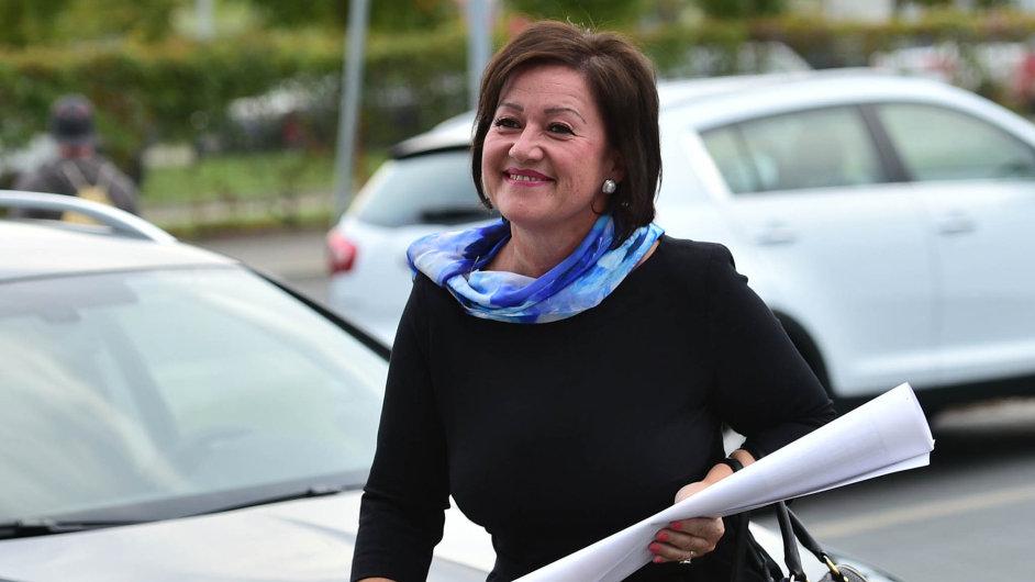 Radmila Kleslová (52), předsedkyně pražské organizace ANO, starostkaPrahy 10: Bojuje osvůj vliv vhlavním městě, šéfovi hnutí Andreji Babišovi sní dochází trpělivost.