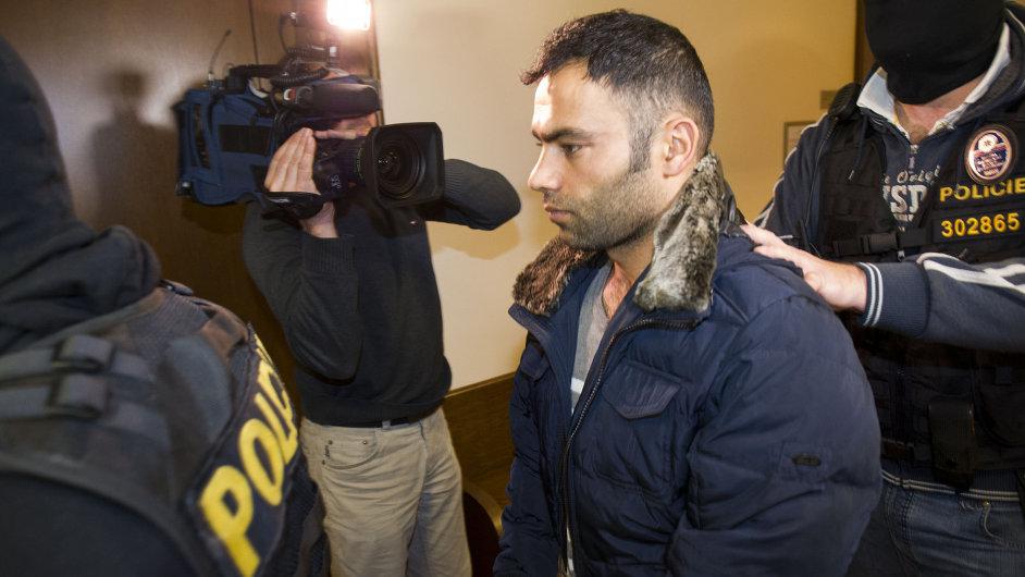 Turecký muž obviněný ze spolupráce s teroristy.