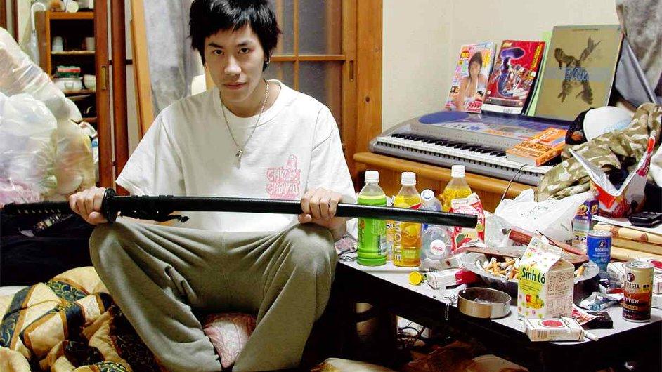 Na snímku z Japonska jeden z lidí označovaných jako hikikomori