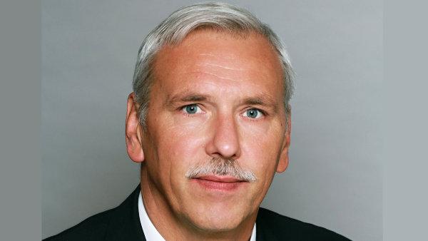 Josef Ducháček, ředitel sekce peněžní a platebního styku ČNB