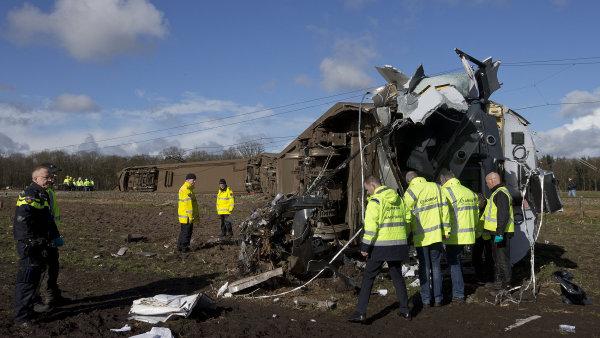 Nizozemská nehoda má jednu oběť.