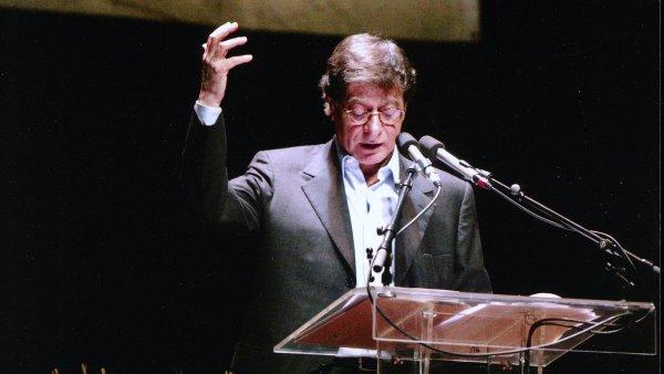 Nejznámější palestinský básník Mahmúd Darwíš zemřel roku 2008 v USA.