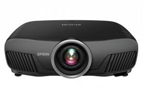 Projektor od Epsonu udělá ze zdi kino s obřím obrazem a UltraHD rozlišením