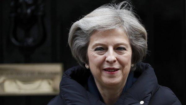 Britská policie zmařila plán islamistů na atentát proti premiérce Therese Mayové.