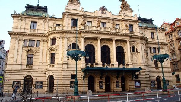 Na snímku je budova pražského Divadla na Vinohradech.