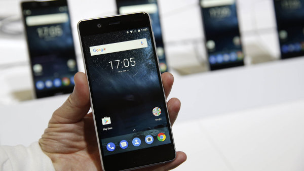 Slibné Nokie. Telefony Nokia sAndroidem byly vestínu Nokie 3310, mají ale větší potenciál uspět.