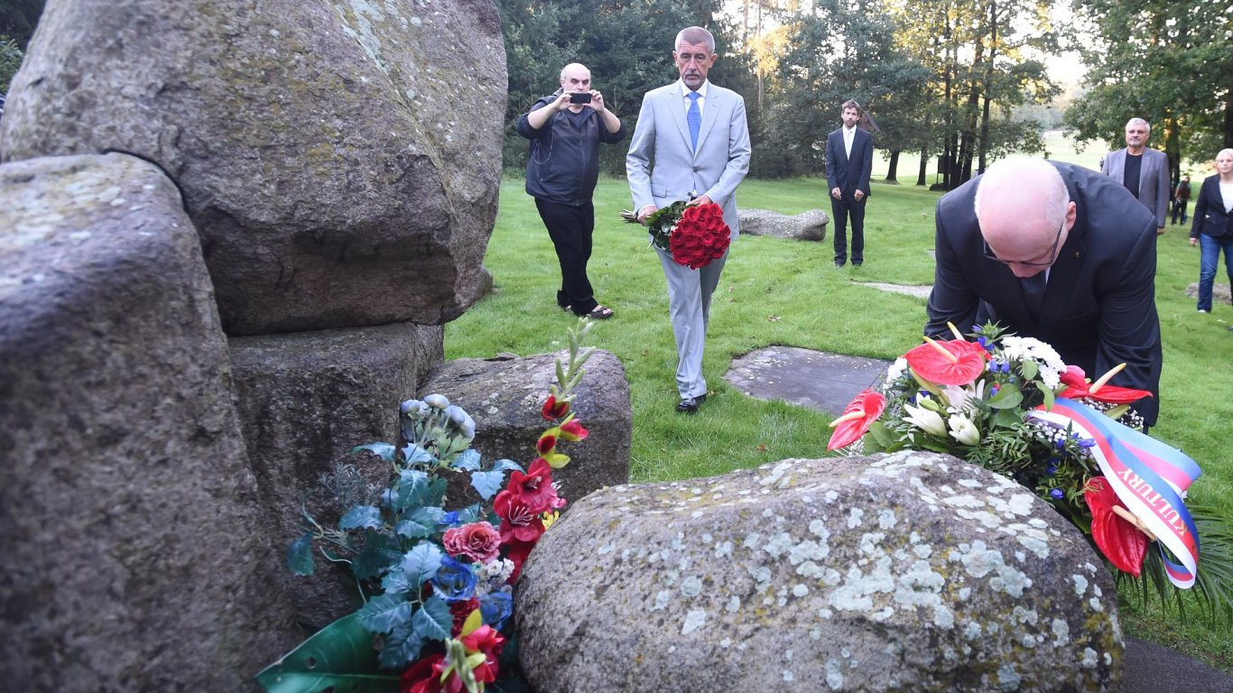 Andrej Babiš, Tábor pro Romy v Letech, Lety na Písecku, památník, vepřín