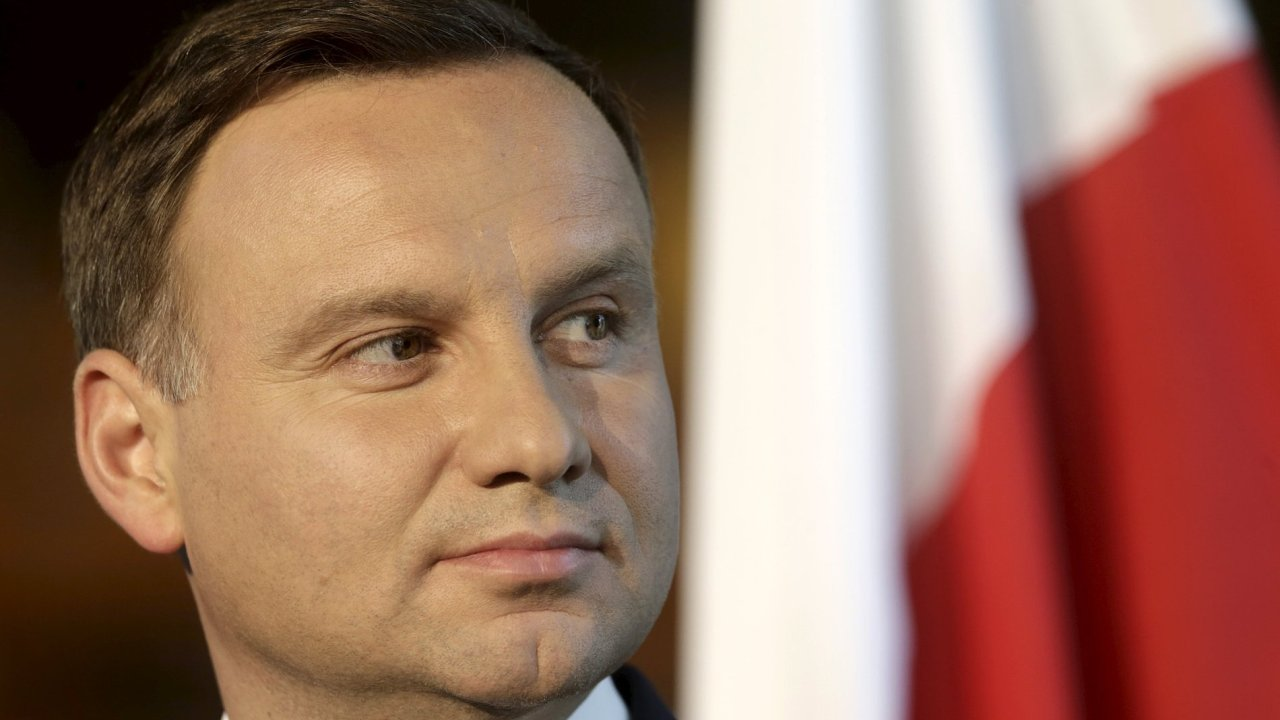Polský prezident Andrzej Duda vyzval NATO k poslání jednotek na východní hranici aliance.