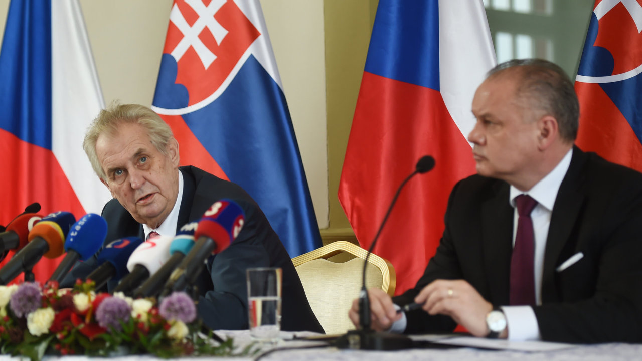 Český prezident Miloš Zeman a slovenský prezident Andrej Kiska