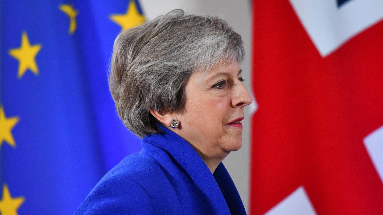 Britská premiérka Theresa Mayová zatím nemá v londýnském parlamentu většinu pro to, aby prosadila podobu brexitu tak, jak ho dohodla s lídry ostatních zemí Evropské unie.
