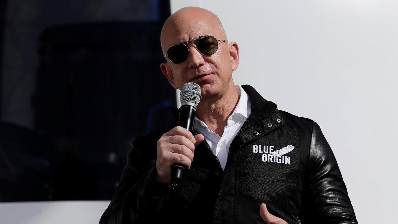 Nejbohatší člověk na světě, zakladatel a výkonný ředitel Amazonu Jeff Bezos.