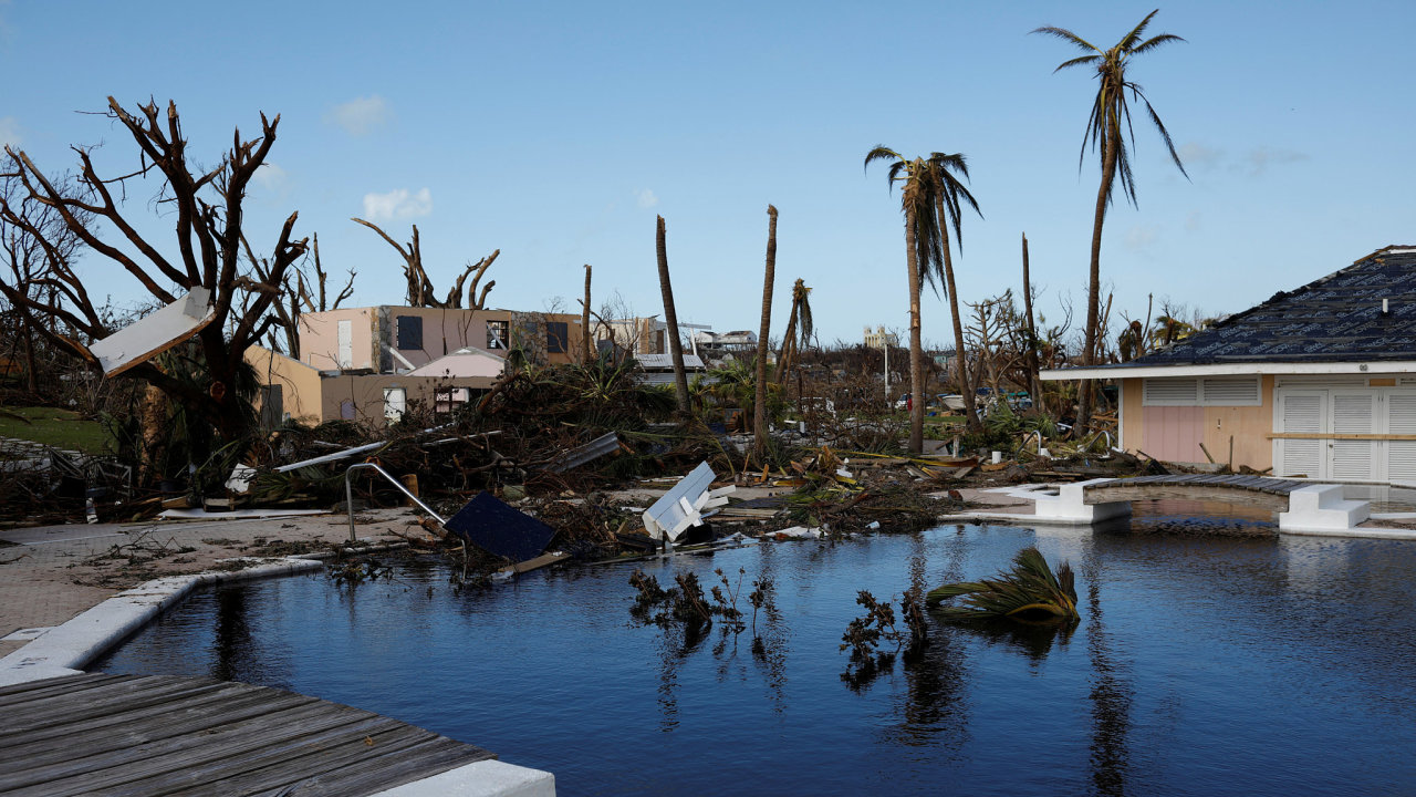 Hurikán Dorian, Bahamy