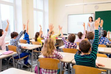 České školy. Učitelé sice příští rok dostanou přidáno naplatech, vadí jim ale, že dlouhodobá koncepce českého školství chybí.