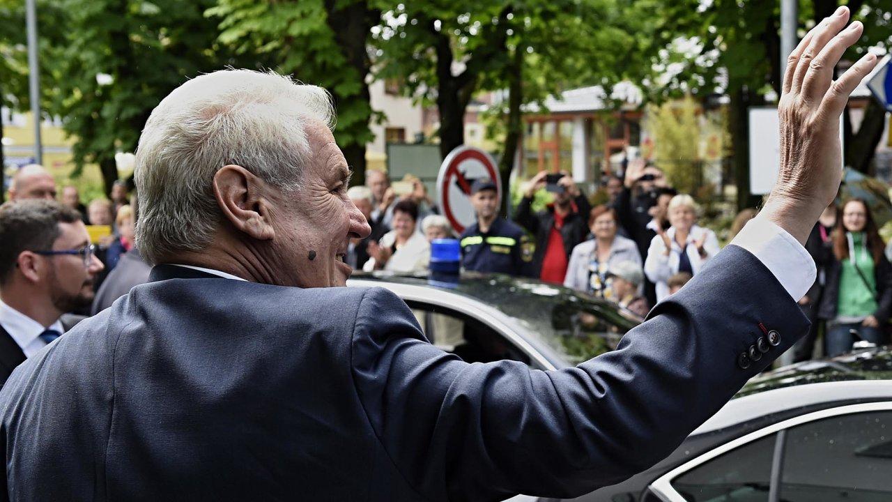 Na prezidenta Miloše Zemana se opozice letos pokusila vyjednat ústavní žalobu.