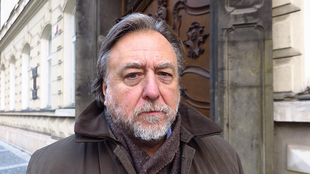 Milan Sedláček, bývalý ředitel brněnského Divadla Husa na provázku aposléze diplomat agenerální sekretář ministerstva zahraničí.