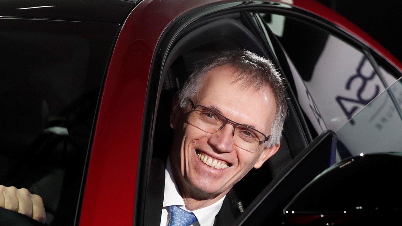 CarlosTavaresstane v čele kolosu, který vznikne spojením francouzské PSA Group aitalské Fiat Chrysler Automobiles (FCA).