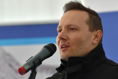Ředitel Státního fondu dopravní infrastruktury Zbyněk Hořelica kauzu kolem systému na prodej dálničních známek zatím ustál.