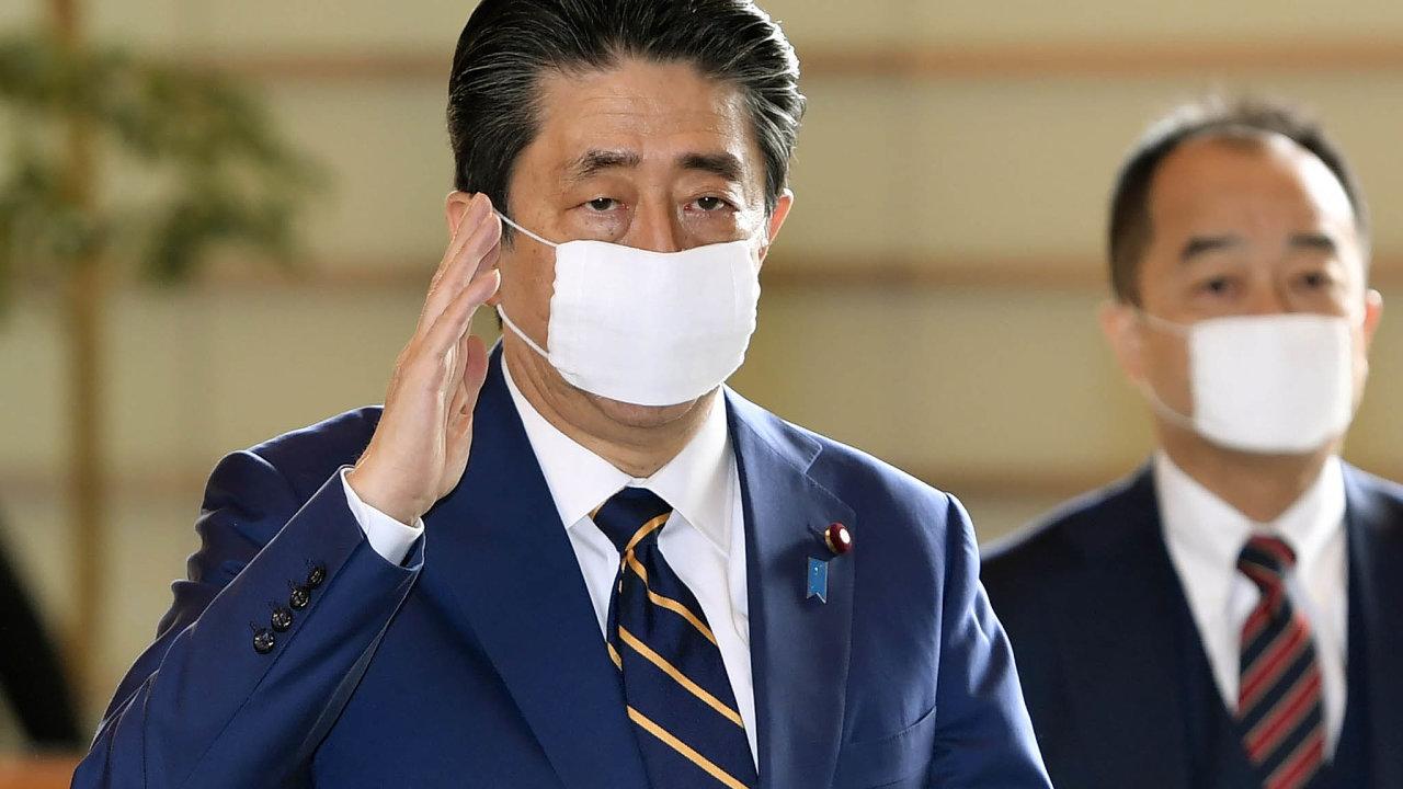 Premiér Šinzó Abe.