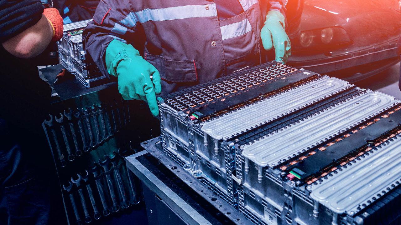 Výroba akumulátorů se stává jedním zhlavních průmyslových odvětví 21.století. Jejich výzkum, vývoj, výroba avyužití zažívá obrovský boom pocelém světě.