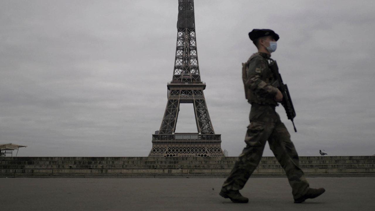Francouzští vojáci budou moci užívat pilulky, které jim v případě nutnosti umožní vydržet dlouhou dobu beze spánku.