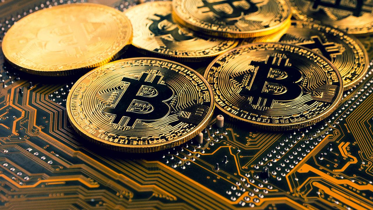 Aktuálně je voběhu něco přes 18 milionů bitcoinů ajejich tržní hodnota se blíží 600 miliardám USD.