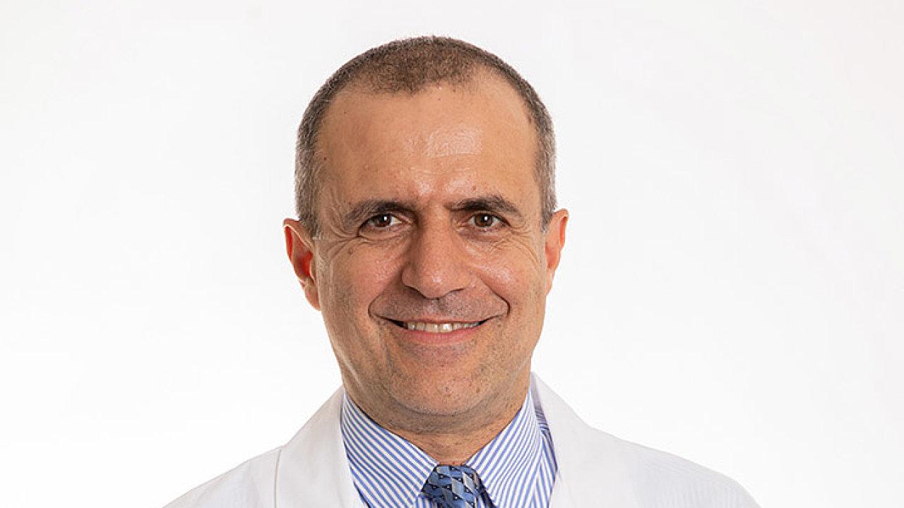 Mark Mounajjed, americký infektolog.