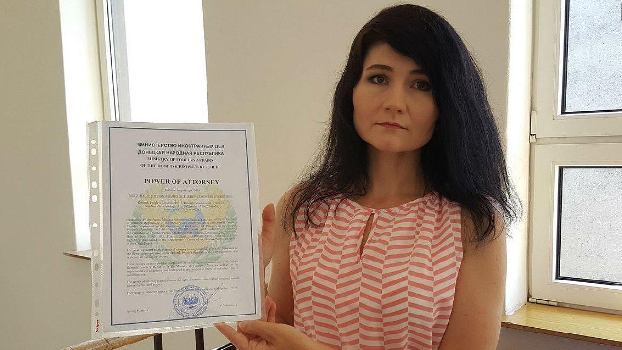 Na proruskou aktivistku Nelu Liskovou se prý stále obracejí lidé, kteří chtějí odjet bojovat na východ Ukrajiny.