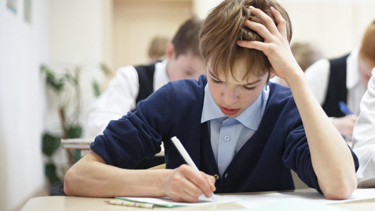 Žáci druhých stupňů základních škol se po dlouhé pauze do škol těšili, někde na ně ale čekala jen hromada testů.