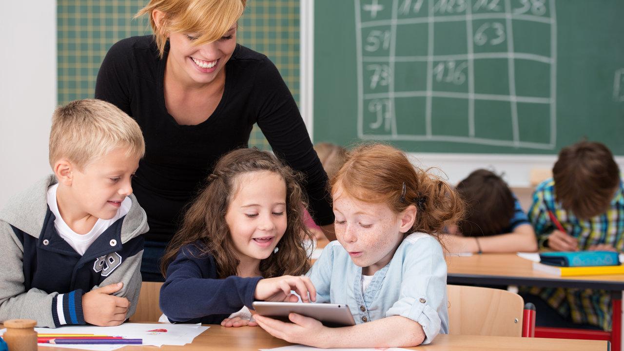 Některé novinky zavedené do škol při pandemii se osvědčily a učitelé si je chtějí ponechat i do budoucna.