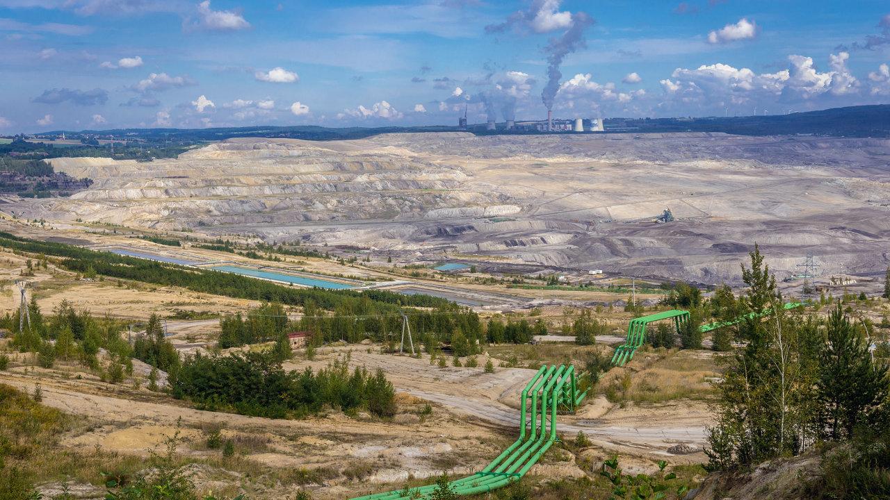 Polský hnědouhelný důl Turów na hranicích s Českou republikou.