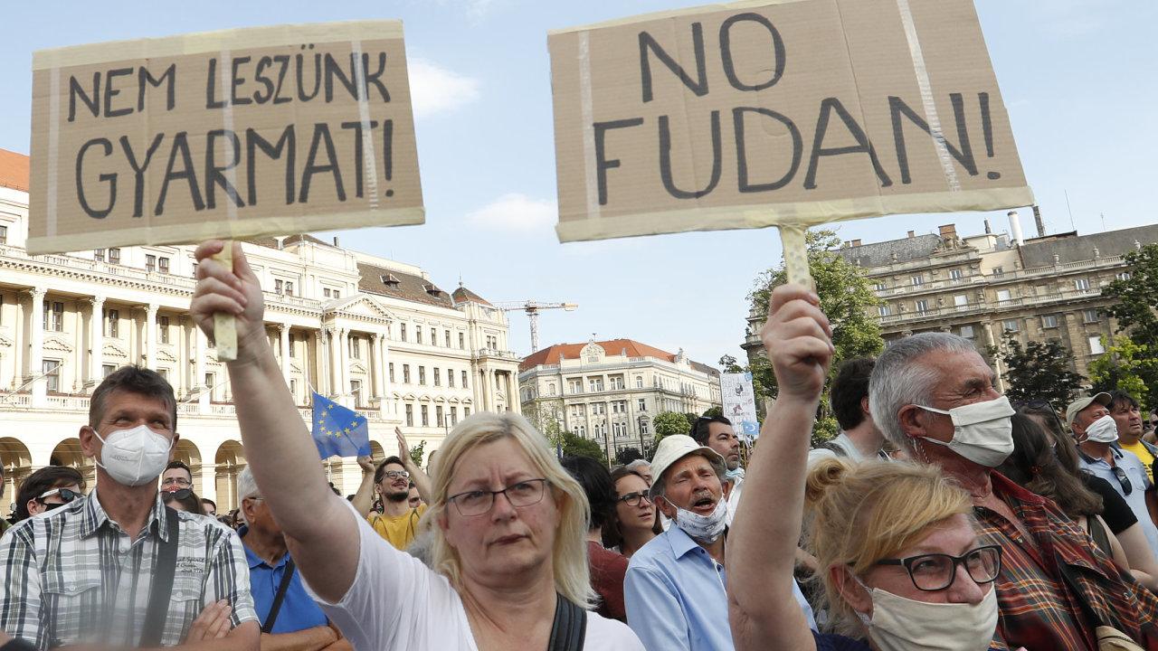 "Maďarsko protesty proti čínskému kampusu ""nechceme být kolonie"""