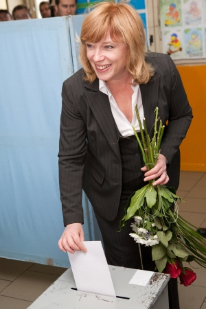 Iveta Radičová casts her vote (Photo: hnonline.sk)
