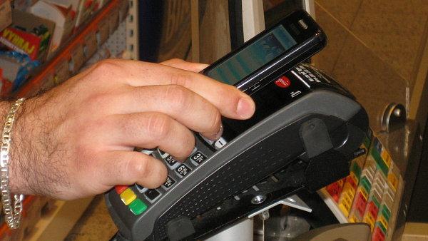 Platba mobiln�m telefonem u pokladny