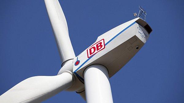 Ilustra�n� foto - Obnoviteln� zdroje energie. Na sn�mku v�trn� turb�na Deutsche Bahn.