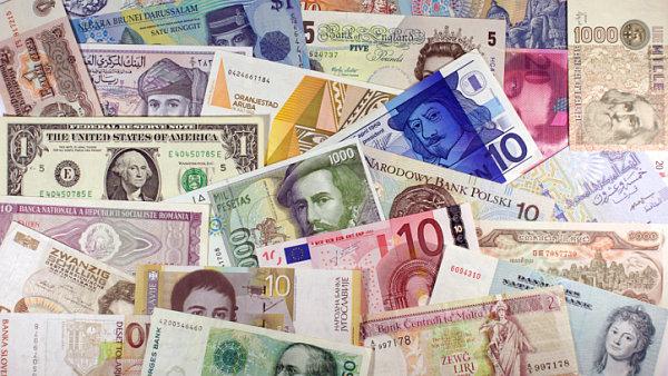 Pen�ze, m�ny, r�zn� sv�tov� bankovky, ilustra�n� foto