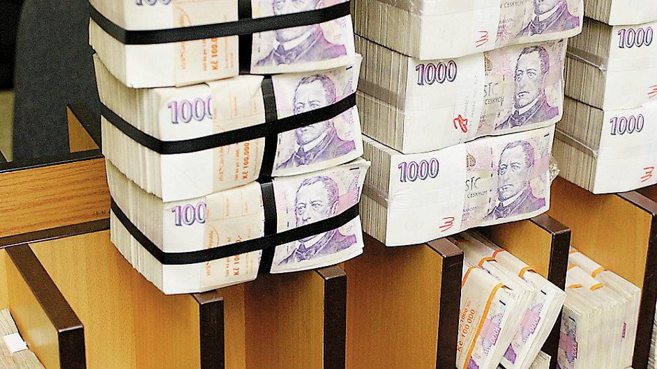Češi rychle zvyšují své měsíční vklady na penzijní připojištění.