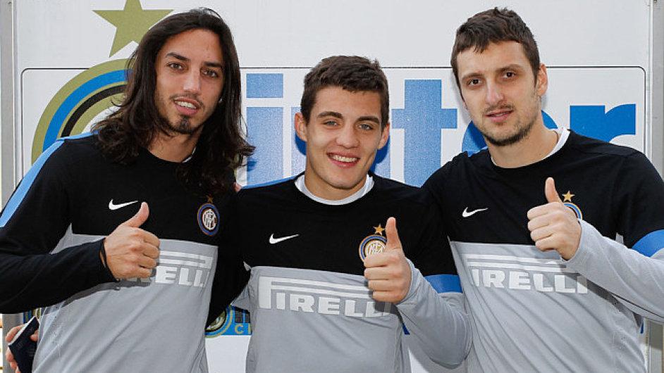 Posily Interu: Mateo Kovačić (uprostřed), Ezequiel Schelotto a Zdravko Kuzmanović