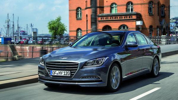 Genesis je těžké zařadit. Podle vzhledu by nikdo nehádal, že jde o Hyundai.