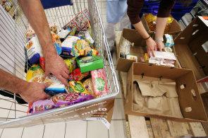 V Tesku se konala akce na podporu potravinových bank. Firma vybrala ve střední Evropě 2,8 milionu korun