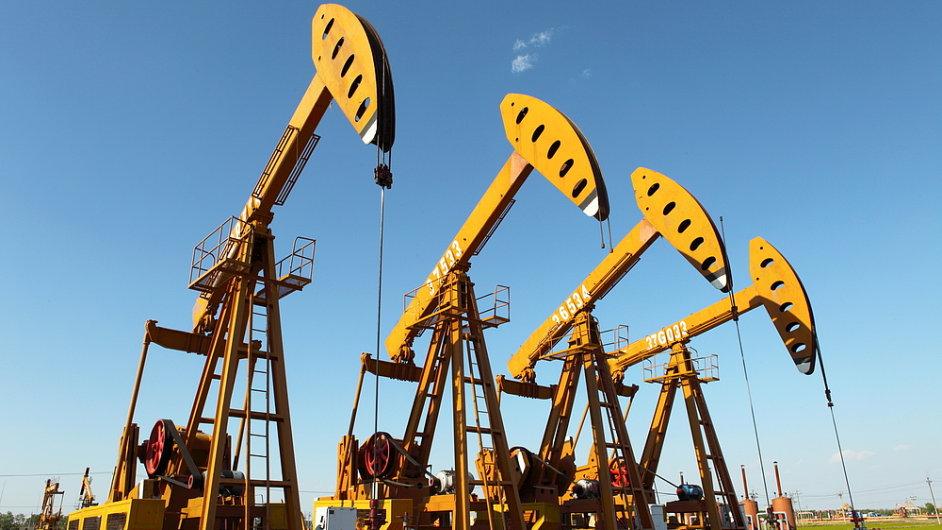 Pokud se naplní předpoklady, začne se na Slovensku těžit ropa v roce 2016 (ilustrační foto).