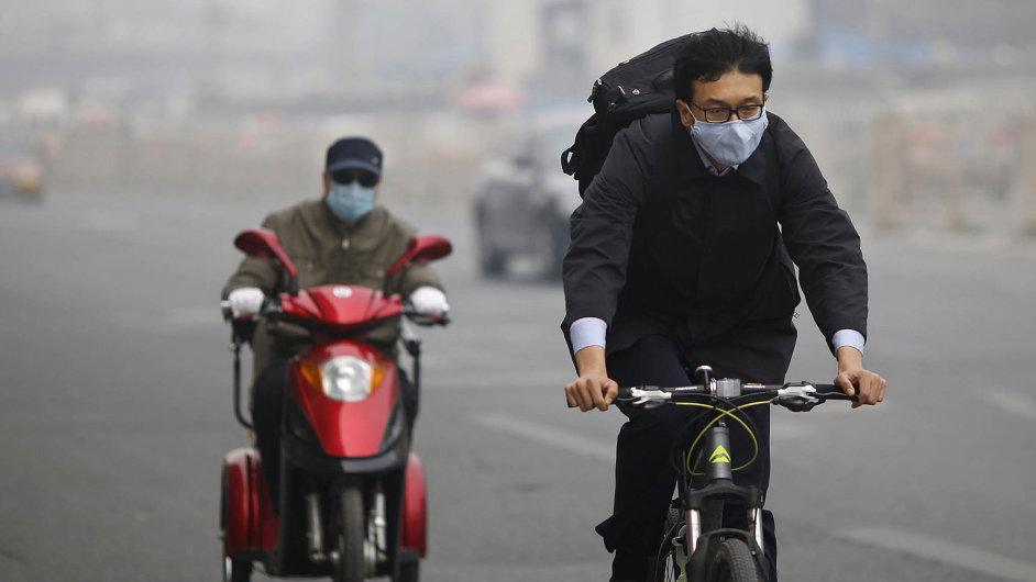 Život se řídí podle smogu. Když jsou normy překročeny trojnásobně, je vlastně vše v pořádku.